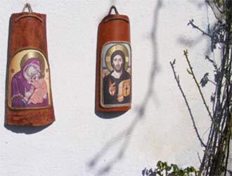 икони върху керемиди